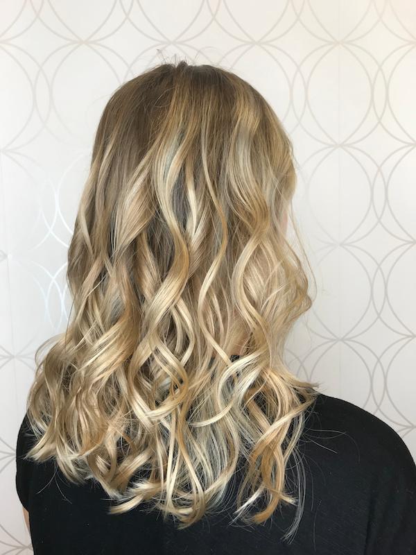 Dimensional Blonde Haircolour